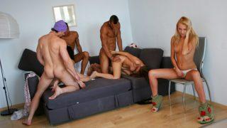 Sexe Party avec des étudiantes très chaudes